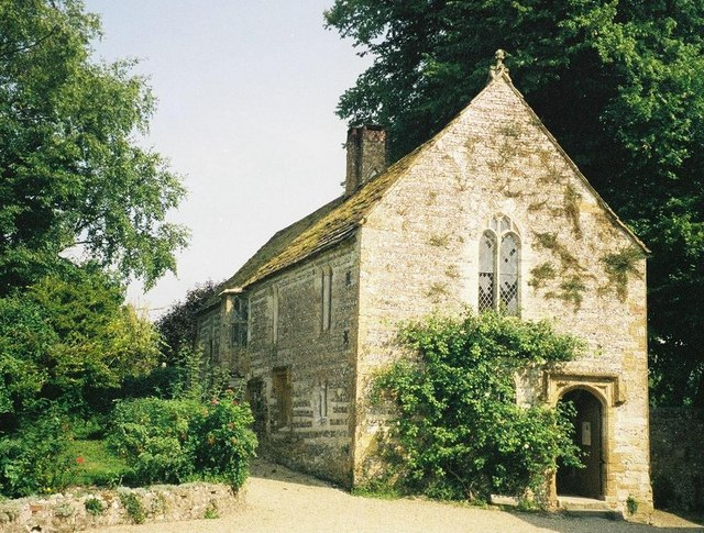 Cerne Abbas: abbey guest house