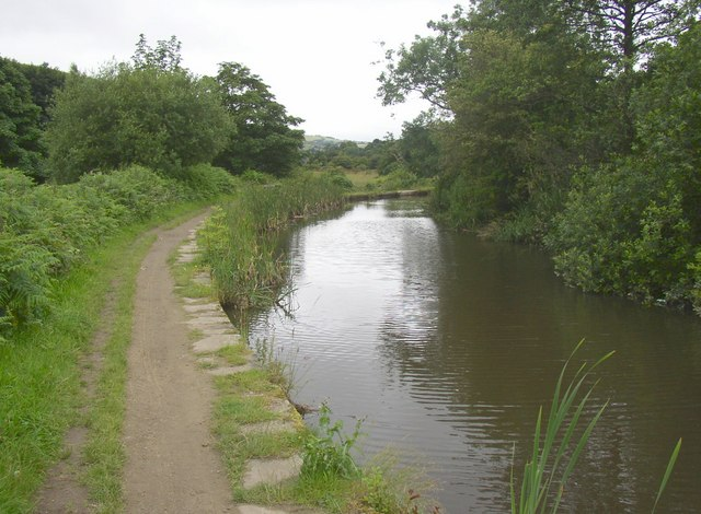 The Huddersfield Narrow Canal, Golcar