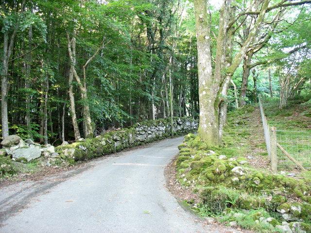 The minor road to Llanfachreth at Ochr-y-foel crossroads