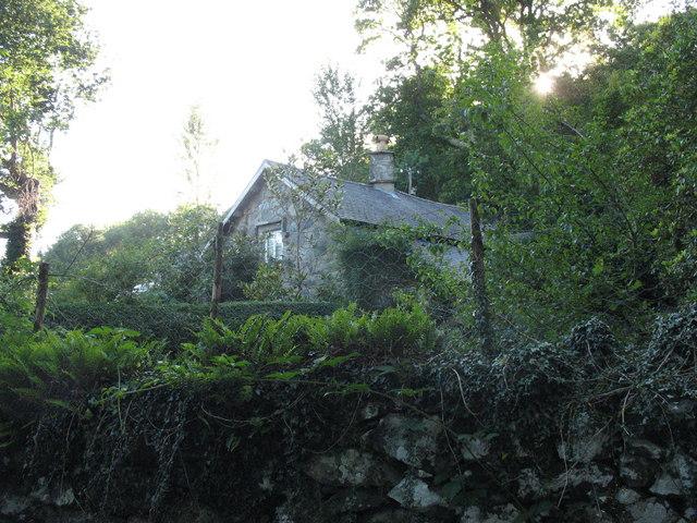 Ochr-y-foel-isaf cottage