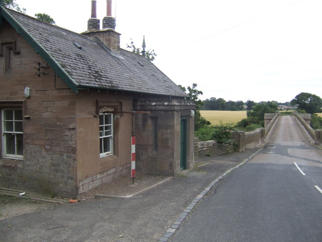 Toll house on the Tweed Bridge
