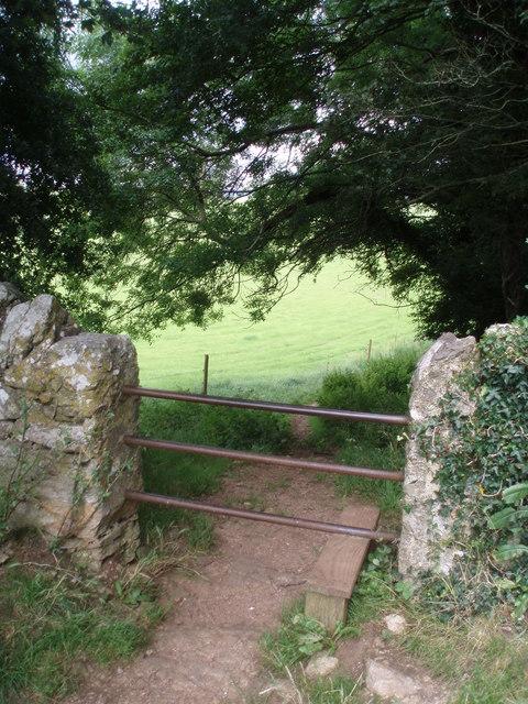 Stile on the edge of East Ogwell Green