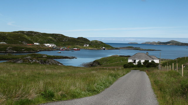 The road to Circebost pier.