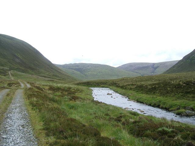 Gleann Beag road following Abhainn a'Ghlinne Bhig