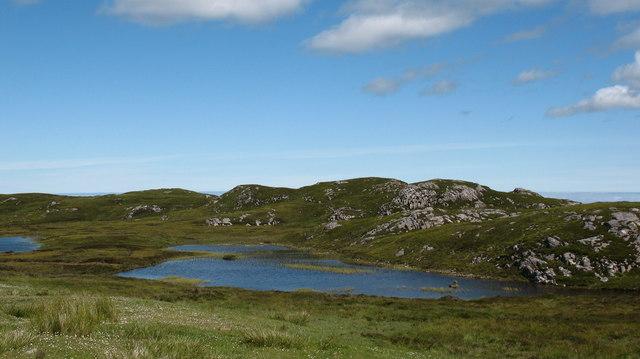 Unnamed lochans near Circebost