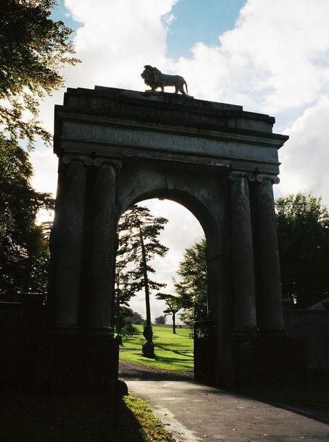 Charborough Park: Lion Lodge