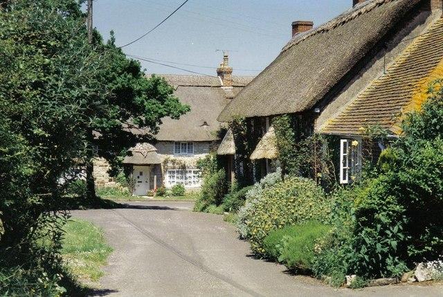 Coombe Keynes: idyllic scene