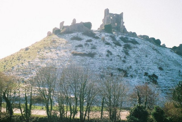 Corfe Castle: snow on the shady side