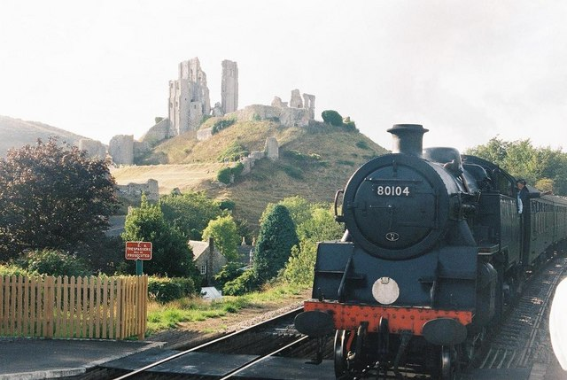 Steaming into Corfe Castle station