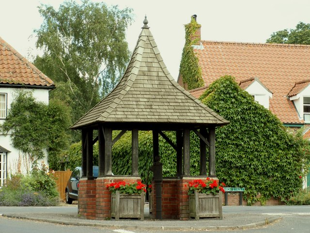 The Village Pump and shelter at Chippenham