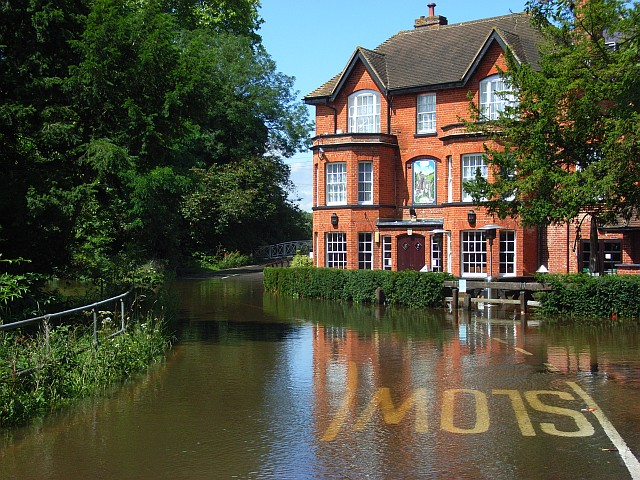 The Poachers pub, Sindlesham Mill