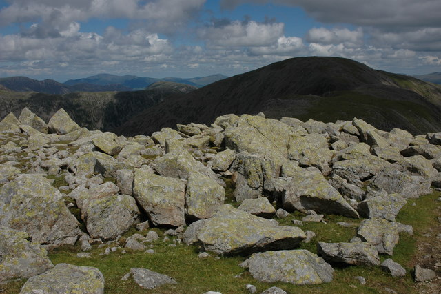 Rock strewn summit of Little Scoat Fell