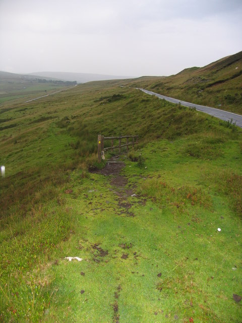 The route down to Cwm Tyswg