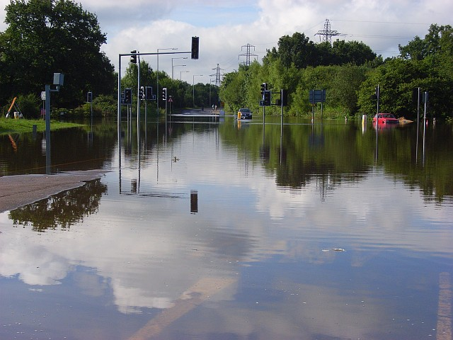 Flooded junction on the A329, Winnersh