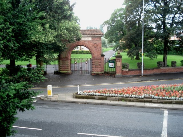Main entrance to Gheluvelt Park