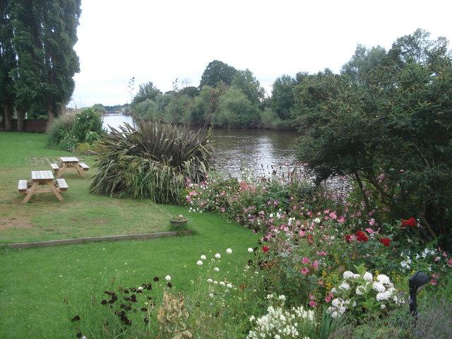 Diglis Hotel garden