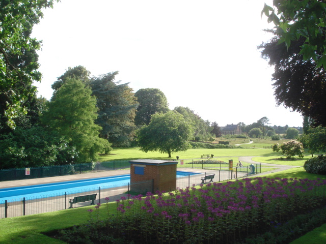 Paddling pool at Gheluvelt Park