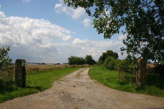 Track to Uplands Farm