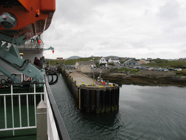 Approaching Lochmaddy Pier