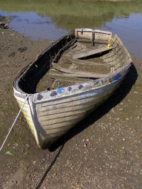 Derelict rowboat, near Creek Cottage, Woodside