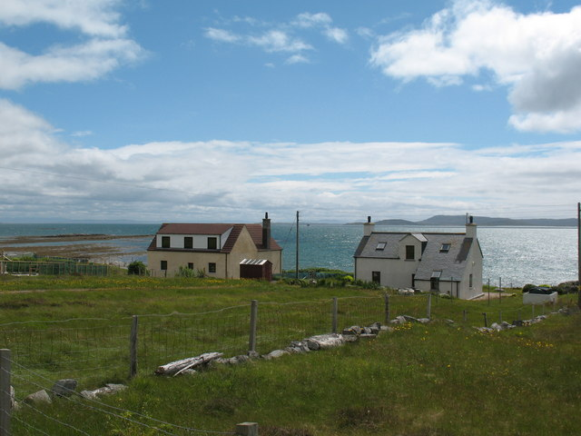 Houses by the shore, Berneray