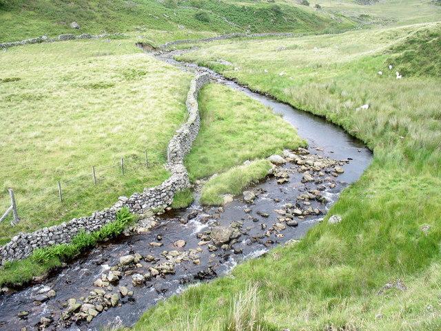 A near 90 degree bend in the Afon Eiddon