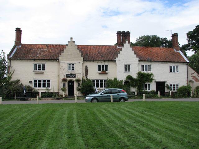 Earle Arms Inn