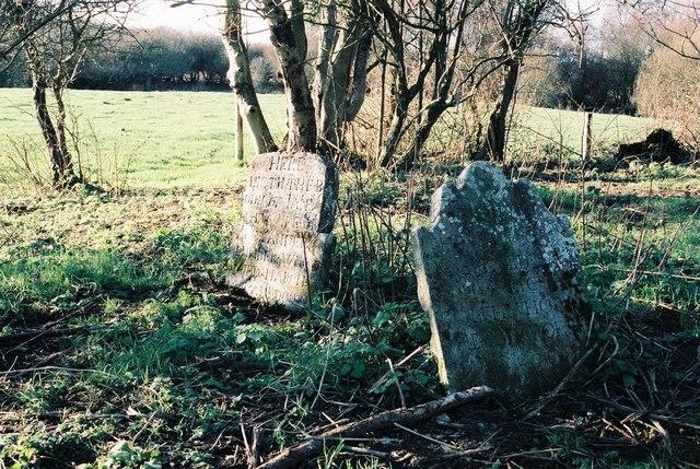 East Stoke: gravestones in a forgotten corner