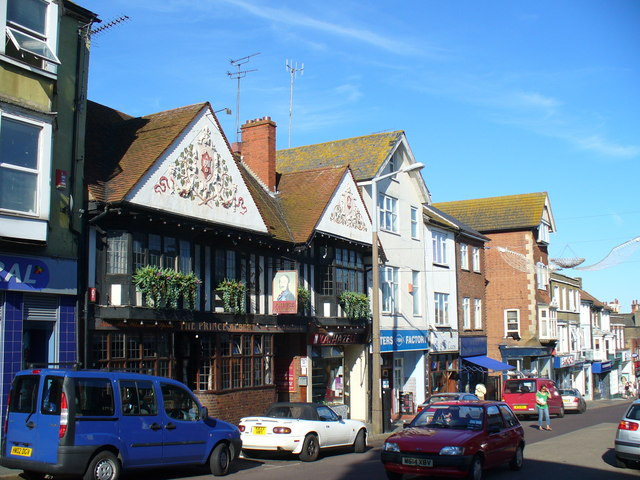 The Prince Albert and High Street