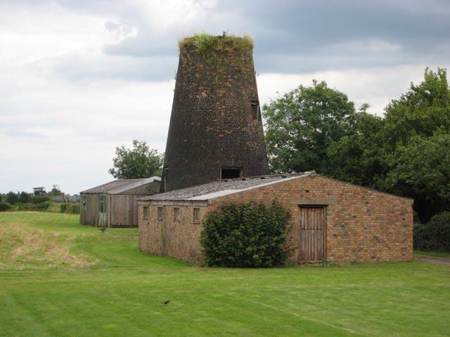 Disused mill near Little Downham