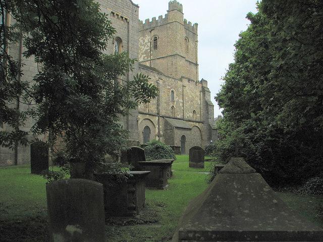 Chepstow - St Mary's churchyard