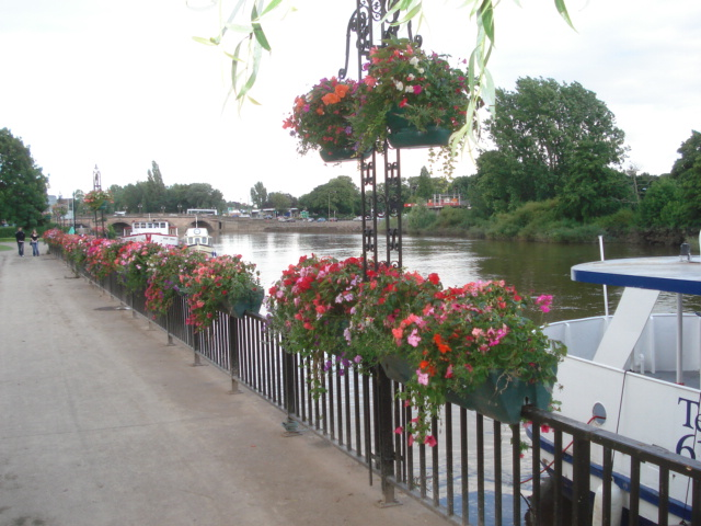 Riverside walk at Worcester