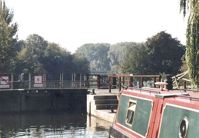 2003 : Whitchurch Lock, River Thames