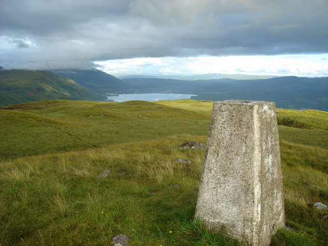 Looking southeast from the trig point on Na Maoilean