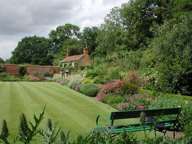 Hoveton Hall Gardens