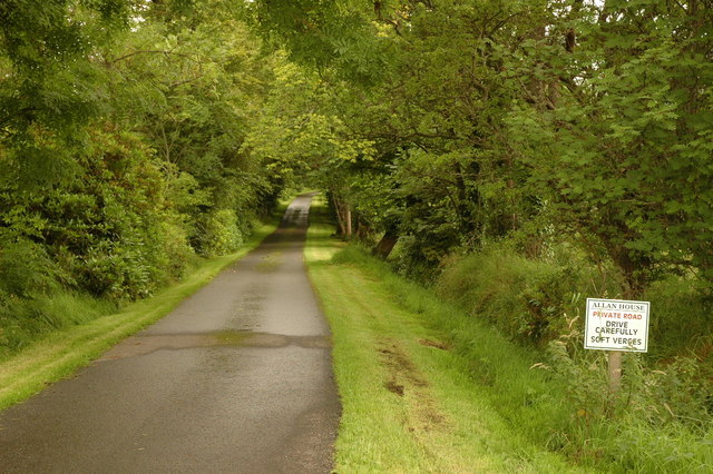 Private road to Allan House
