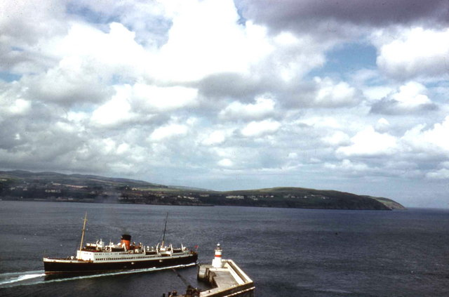 Ferry leaving Douglas Harbour