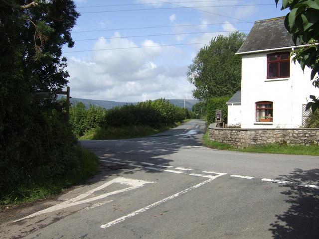 Croes Llanfair crossroads