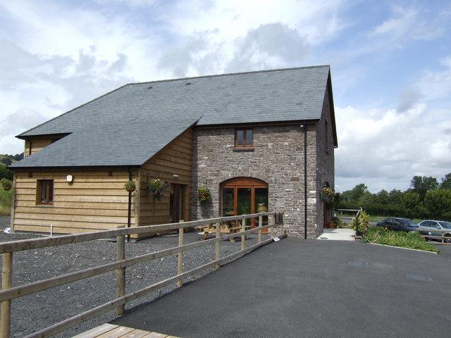 Beacons Farm Shop, Middlewood Farm, Bwlch