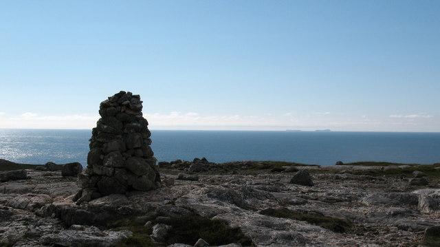 Hilltop cairn [2]