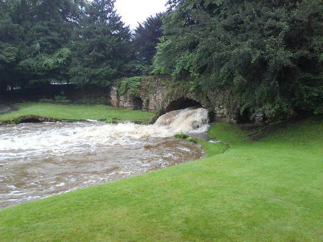 Skell in Flood at Rustic Bridge
