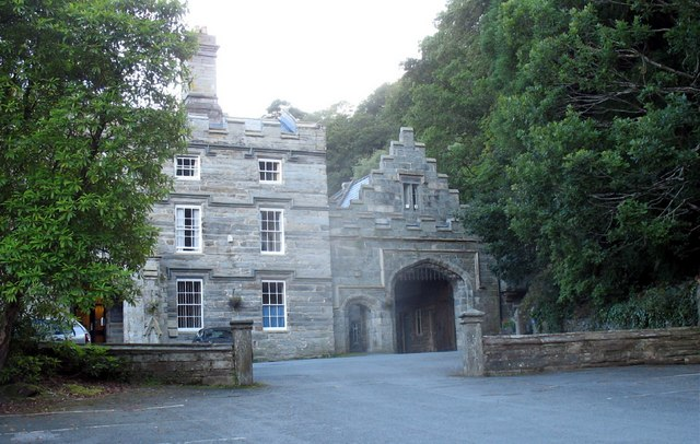 East wing and arch at Plas Tan-y-bwlch