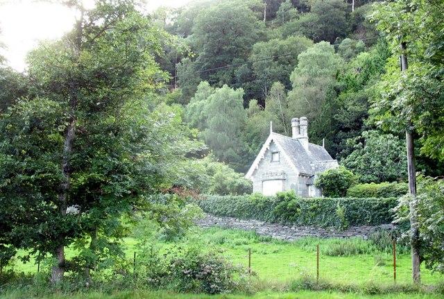 A lodge at Plas Tan y bwlch