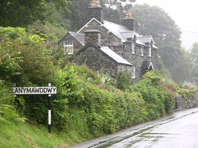 Road into Llanymawddwy