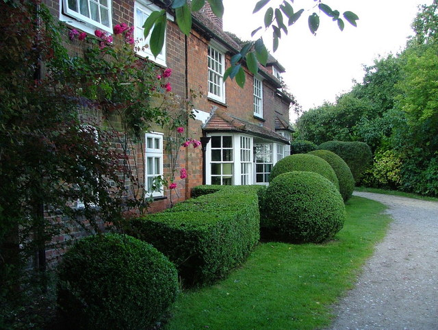 Cottages at Hempton Wainhill on the Ridgeway Path