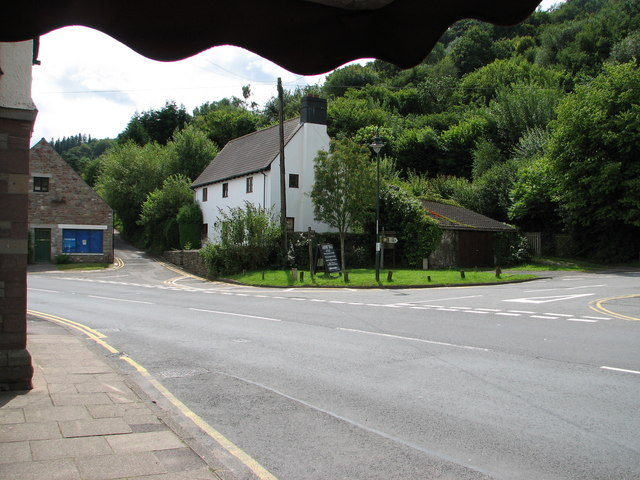 Tintern - the Raglan road junction
