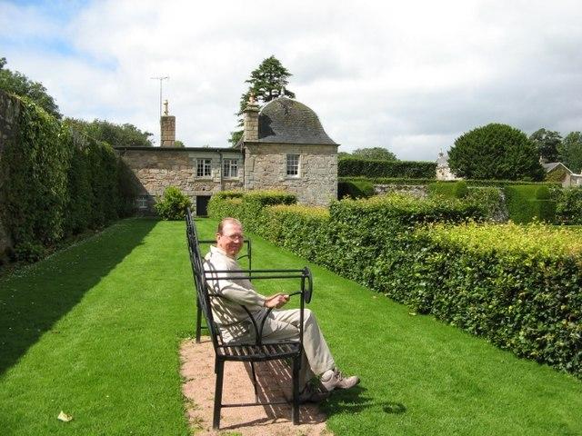 Sunny Seat Pitmedden Garden