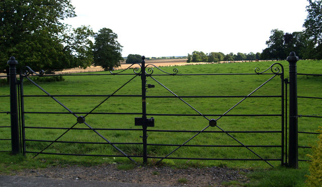Double field gate.