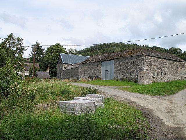 Old farm buildings, Evenjobb