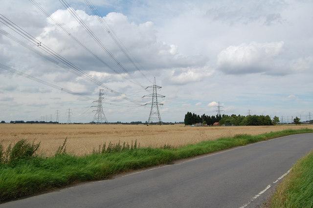 Meredyke Road - B1392 and Pylons